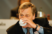 31 JANUARY 1998, DORTMUND/GERMANY:<br /> Wolfgang Clement, SPD, Wirtschaftsminister Nordrhein-Westfalen, trinkt einen Kaffee, Landesparteitag der SPD NRW
