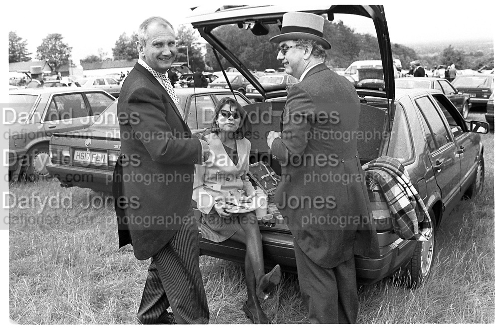 IAN BOYD; IVANA LOWELL; DON BOYD, Derby, Epson. 1991.<br /> <br /> , SUPPLIED FOR ONE-TIME USE ONLY> DO NOT ARCHIVE. © Copyright Photograph by Dafydd Jones 248 Clapham Rd.  London SW90PZ Tel 020 7820 0771 www.dafjones.com