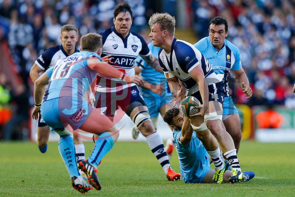 Bristol Rugby Number 8 Mitch Eadie  breaks from Worcester Scrum-Half JB Bruzulier to set up a try for Winger David Lemi (not pictured) - Photo mandatory by-line: Rogan Thomson/JMP - 07966 386802 - 20/05/2015 - SPORT - Rugby Union - Bristol, England - Ashton Gate Stadium - Bristol Rugby v Worcester Warriors - Greene King IPA Championship Play-Off Final 1st Leg.