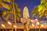 USA, Hawaii, Oahu, Honolulu, Waikiki,Duke Kahanamoku Statue