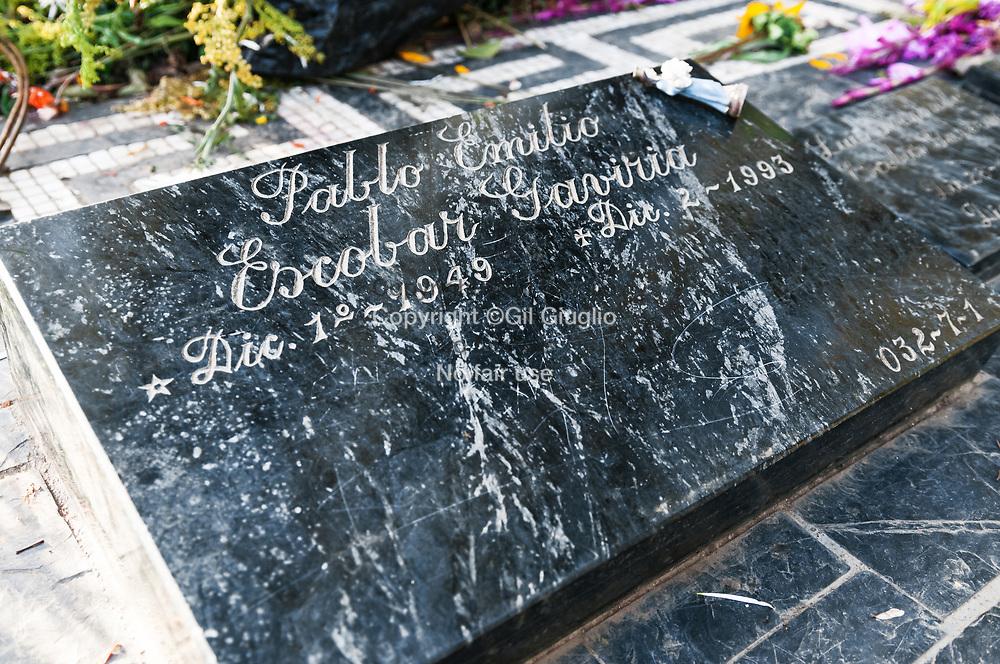 Colombie, Antioquia, banlieue de Medellin, commune d'Itagui, cimetière Montesacro, tombe du narco trafiquant Pablo Escobar // Colombia, Antioquia, Medellin suburb, Itagui town, Montesacro cemetery, crave of Pablo Escobar the famous narcos