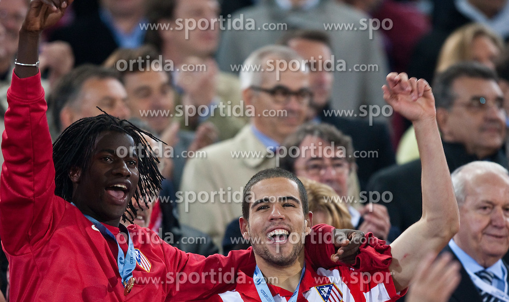 12.05.2010, Hamburg Arena, Hamburg, GER, UEFA Europa League Finale, Atletico Madrid vs Fulham FC im Bild Ibrahima, #58, Atletico Madrid, Alvaro Dominguez, #18, Atletico Madrid, EXPA Pictures © 2010, PhotoCredit: EXPA/ J. Feichter / SPORTIDA PHOTO AGENCY