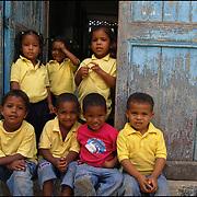REPORTAJE DEL ESTADO SUCRE<br /> Escuela Bolivariana.<br /> Macuro, Estado Sucre - Venezuela 2007<br /> Photography by Aaron Sosa<br /> (Copyright © Aaron Sosa)
