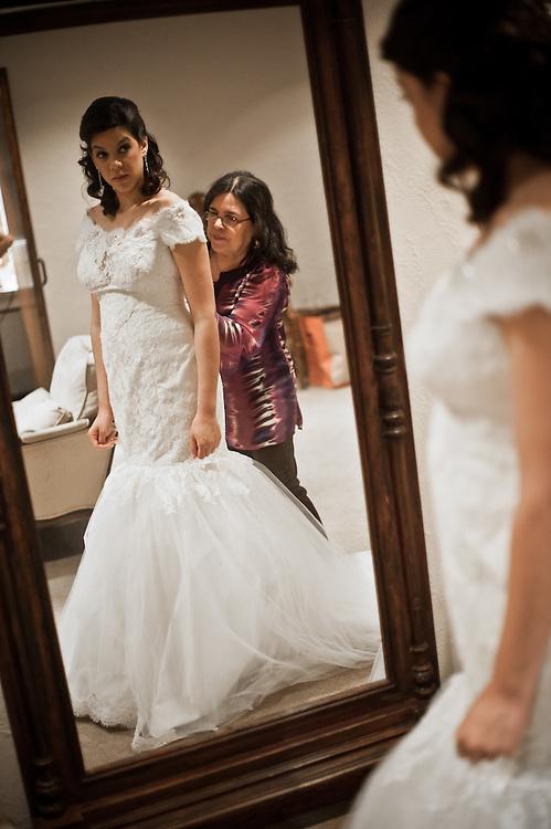 10/9/11 3:13:19 PM -- Zarines Negron and Abelardo Mendez III wedding Sunday, October 9, 2011. Photo©Mark Sobhani Photography
