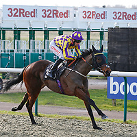 Random Success and George Baker winning the 1.25 race