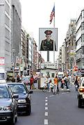 BERLIJN - Checkpoint Charlie. PHOTO GERRIT DE HEUS