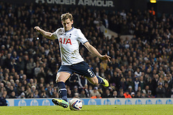Tottenham's Jan Vertonghen scores a goal from a penalty - Photo mandatory by-line: Mitchell Gunn/JMP - Tel: Mobile: 07966 386802 30/10/2013 - SPORT - FOOTBALL - White Hart Lane - London - Tottenham Hotspur v Hull City - Capital One Cup - Forth Round