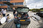 De Cygnus wordt gekeurd voor de wedstrijd. In Duitsland worden op de Dekrabaan bij Schipkau recordpogingen gedaan met speciale ligfietsen tijdens een speciaal recordweekend.<br /> <br /> In Germany at the Dekra track near Schipkau cyclists try to set new speed records with special recumbents bikes at a special record weekend.