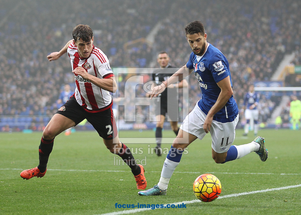 Kevin Mirallas of Everton and Billy Jones of Sunderland in action during the Barclays Premier League match at Goodison Park, Liverpool.<br /> Picture by Michael Sedgwick/Focus Images Ltd +44 7900 363072<br /> 01/11/2015
