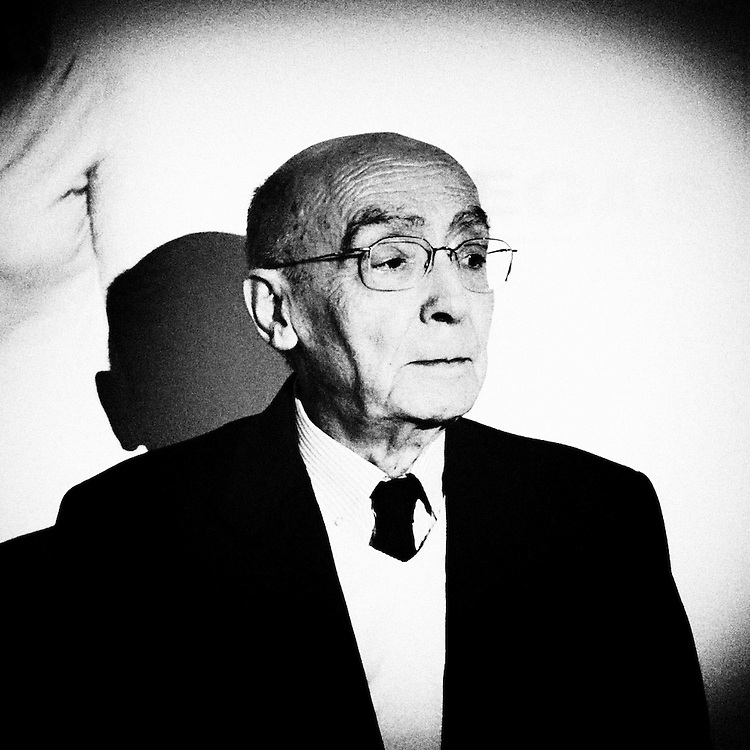 Jose Saramago is seen during a photocall in Madrid, March 3, 3009.