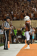 AUSTIN, TX - SEPTEMBER 19:  Johnathan Gray #32 of the Texas Longhorns celebrates after scoring a touchdown against the California Golden Bears on September 19, 2015 at Darrell K Royal-Texas Memorial Stadium in Austin, Texas.  (Photo by Cooper Neill/Getty Images) *** Local Caption *** Johnathan Gray