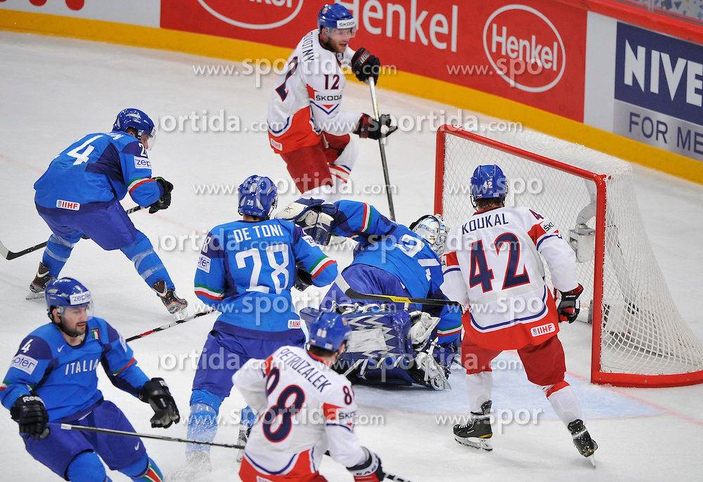 11.05.2012, Ericsson Globe, Stockholm, SWE, IIHF, Eishockey WM, Italien vs Tschechische Republik, im Bild Czech Republic 12 Jiri Novotny (Barys Astana) goal // during the IIHF Icehockey World Championship Game between Italy and Czech Republic at the Ericsson Globe, Stockholm, Sweden on 2012/05/11. EXPA Pictures © 2012, PhotoCredit: EXPA/ PicAgency Skycam/ ATTENTION - OUT OF SWE *****