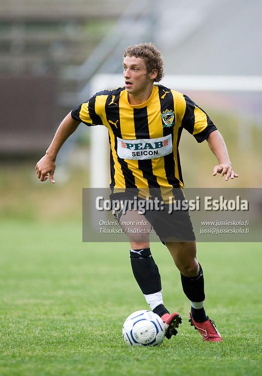 Roni Porokara. Honka - TVMK. Intertoto Cup. Vantaa 24.6.2007. Photo: Jussi Eskola