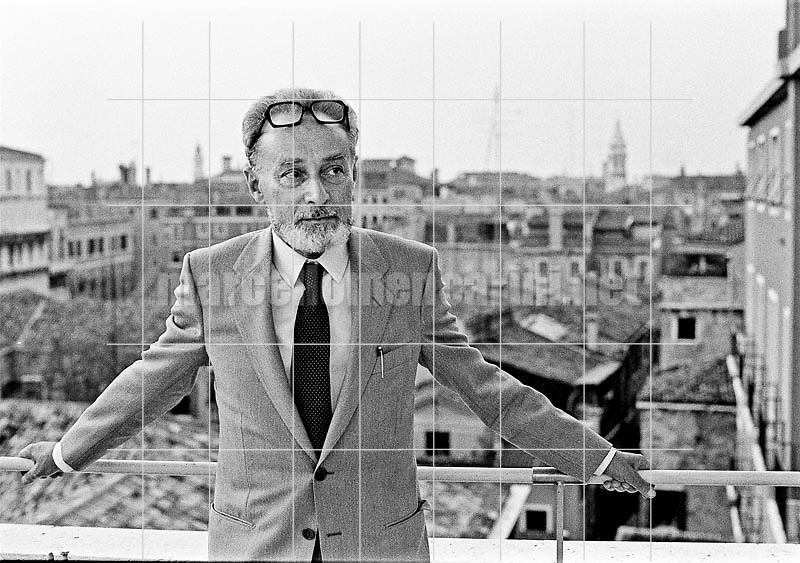 Italian writer Primo Levi (about 1980) / Lo scrittore Primo Levi (1980 circa) - © Marcello Mencarini