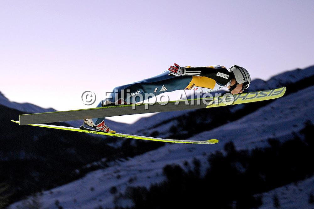 &copy; Filippo Alfero<br /> Pragelato (TO), 12/12/2008<br /> sport , salto con gli sci<br /> Coppa del Mondo di Salto con gli Sci - Pragelato - qualifiche<br /> Nella foto: Simon Ammann - SUI<br /> <br /> &copy; Filippo Alfero<br /> Pragelato, Italy, 12/12/2008<br /> Ski Jumping<br /> FIS World Cup Ski Jumping - Large Hill Individual - 5th competition - qualification<br /> In the photo: Simon Ammann - SUI