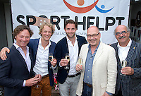 LOOSDRECHT - Tim jenniskens, Rogier Hofman, Maurits Hendriks, Johan Wakkie. Lancering Sport Helpt, een initiatief van hockeyers Rogier Hofman en Tim Jenniskens. FOTO KOEN SUYK