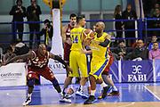 DESCRIZIONE : Porto San Giorgio Lega A 2013-14 Sutor Montegranaro Cimberio Varese<br /> GIOCATORE : Mardy Collins<br /> CATEGORIA : passaggio blocco<br /> SQUADRA : Sutor Montegranaro<br /> EVENTO : Campionato Lega A 2013-2014<br /> GARA : Sutor Montegranaro Cimberio Varese<br /> DATA : 23/11/2013<br /> SPORT : Pallacanestro <br /> AUTORE : Agenzia Ciamillo-Castoria/C.De Massis<br /> Galleria : Lega Basket A 2013-2014  <br /> Fotonotizia : Porto San Giorgio Lega A 2013-14 Sutor Montegranaro Cimberio Varese<br /> Predefinita :
