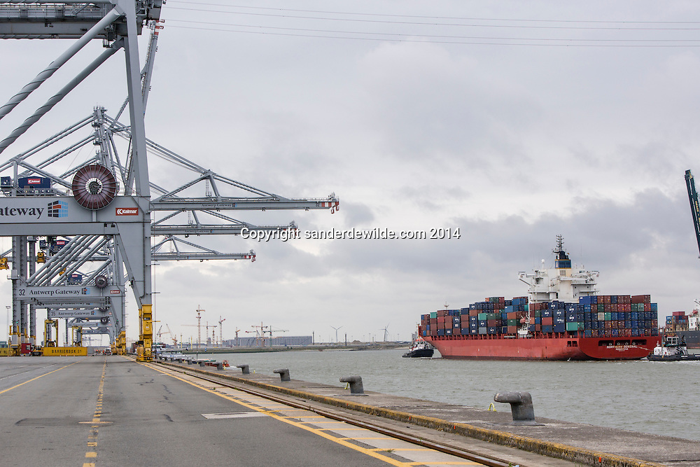 The Deurganckdok is set to give more and larger container ships access to the Port of Antwerp. Antwerp gateway cranes wait for the next ship to arrive