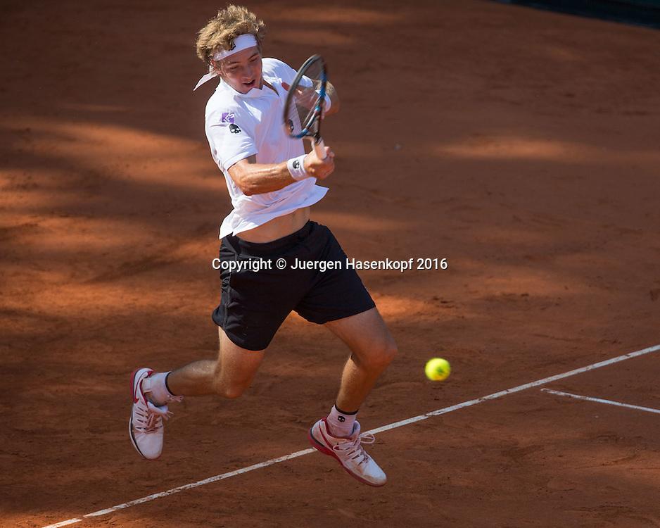 JAN-LENNARD STRUFF-Davis Cup<br /> <br /> Tennis - Davis Cup GER-POL 2016 - ITF Davis Cup -  Steffi Graf Stadion - Berlin - Berlin - Germany - 16 September 2016. <br /> &copy; Juergen Hasenkopf