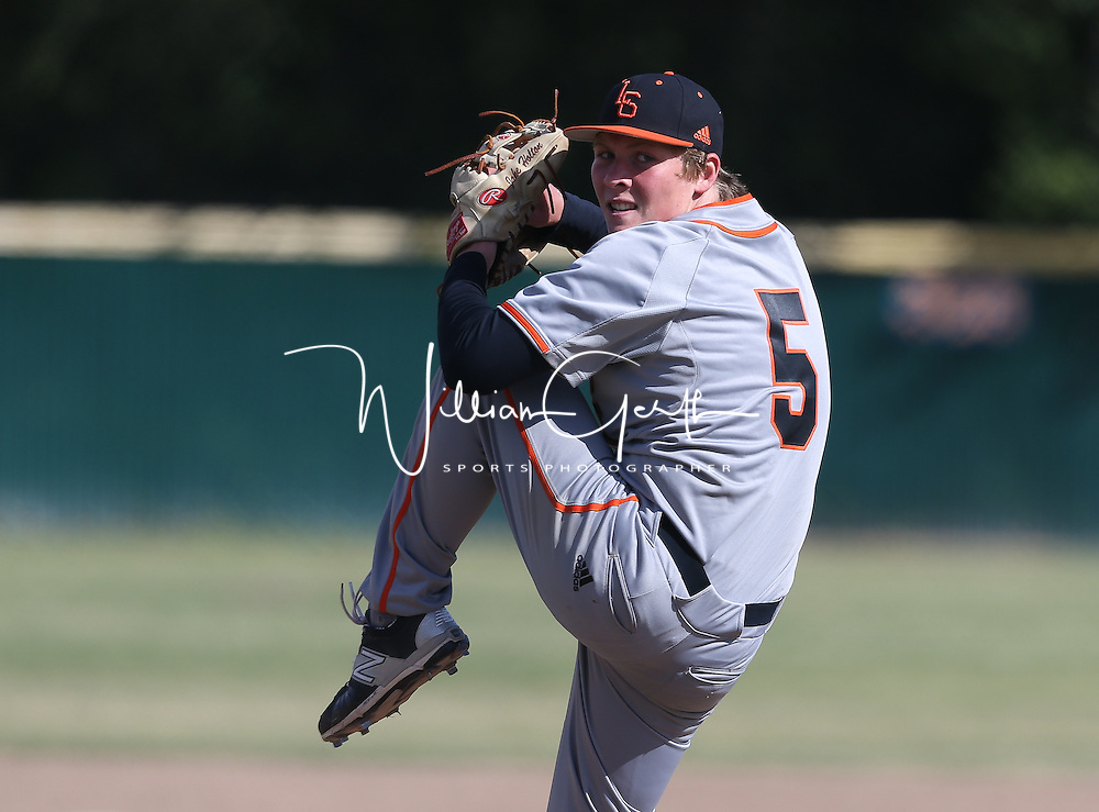 Los Gatos vs Saratoga in a SCVAL Baseball Game at Saratoga High School, Saratoga CA on 4/27/16. (Photograph by Bill Gerth (williamgerth.com))