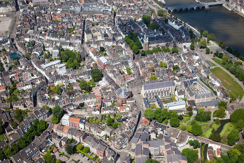 Nederland, Limburg, Gemeente Maastricht, 27-05-2013; Zuid-westelijk deel van de oude binnenstad van Maastricht, stadsmuur, rechts de Maas en Maasboulevard, met de Sint Servaasbrug. Sint Pieterstraat met de Franciscanerkerk (rijksmonument). Linksboven is een puntje Vrijthof te zien.<br /> Southwestern part of the old town of Maastricht, the Maas and  Maasboulevard (r ), the St. Servaasbrug (bridge).<br /> luchtfoto (toeslag op standaardtarieven);<br /> aerial photo (additional fee required);<br /> copyright foto/photo Siebe Swart.