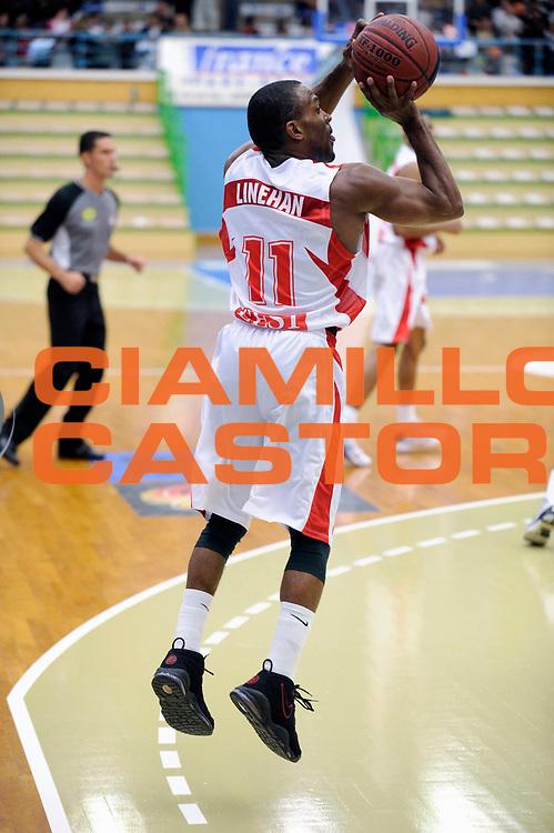 DESCRIZIONE : Ligue France Pro A Tournoi Pre-saison Bourges<br /> GIOCATORE : LINEHAN John <br /> SQUADRA : Nancy<br /> EVENTO : FRANCE Ligue  Pro A 2010-2011<br /> GARA : Gravelines Nancy<br /> DATA : 17/09/2010<br /> CATEGORIA : Basketball Pro A <br /> SPORT : Basketball<br /> AUTORE : JF Molliere par Agenzia Ciamillo-Castoria <br /> Galleria : France Basket 2010-2011 Action<br /> Fotonotizia : Ligue France 2010-2011 Pro A Tournoi Pre-saison<br /> Predefinita :