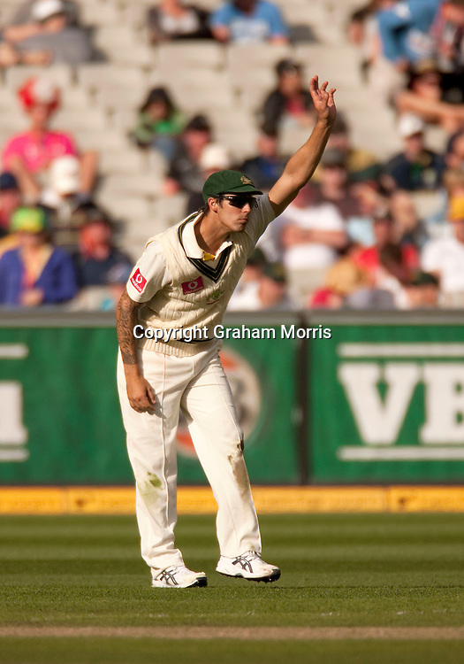 Mitchell Johnson practices bowling in the outfield during the fourth Ashes test match between Australia and England at the MCG in Melbourne, Australia. Photo: Graham Morris (Tel: +44(0)20 8969 4192 Email: sales@cricketpix.com) 26/12/10