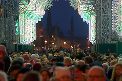 This year the Street of Light at the west end of George Street will make its first appearance as part of Light Night and the acts will perform on a stage by its lights. Choirs from across Scotland including Edinburgh Festival Chorus, Royal Scottish National Orchestra Junior Chorus, Edinburgh's Got Soul and Edinburgh Rock Choir will perform in front of an expected audience of around 20,000 people.  The whole event is hosted by Forth One Arlene Stuart. Callum Skinner, gold cycling medallist will be the one pushed the button at 5pm. Sunday 20th November 2016 (c) Brian Anderson | Edinburgh Elite media