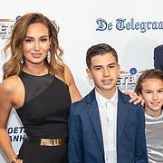 NLD/Hilversum/20190902 - Voetballer van het jaar gala 2019, Bouchra en kinderen Shaqueel, Dina Layla