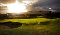 GLENEAGLES SCHOTLAND - Hole 16 van PGA Centenary Course  van Gleneagles. Er zijn drie bannen van Gleneagles. De Queen's Corse, King's  Corse en de belangrijkste is de PGA Centenary Course. Op de PGA course wordt in 2014 de Ryder Cup gespeeld. Het Gleneagles Hotel heeft 5 sterren en het restaurant van Andrew Fairlie met 2 Michelin sterren. FOTO KOEN SUYK