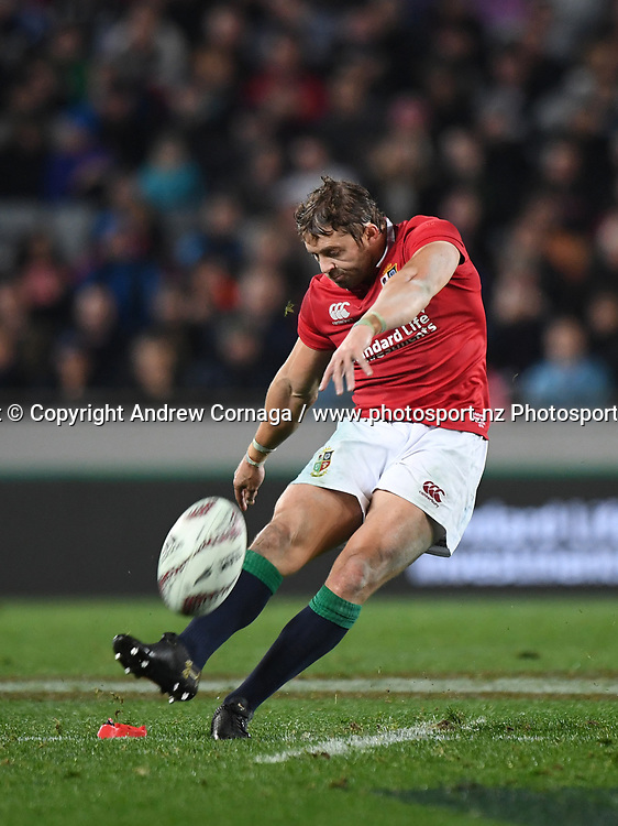 Leigh Halfpenny kicks a penalty.<br /> The Blues v British and Irish Lions. Rugby Union. Eden Park, Auckland, New Zealand. Wednesday 7 June 2017. &copy; Copyright Photo: Andrew Cornaga / www.Photosport.nz