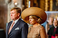 10-10-2017 LISSABON Begroeting bij de rode loper door president Marcelo Rebelo de Sousa van de Portugese Republiek. Welkomstceremonie locatie: Mosteiro dos Jer&oacute;nimos, Bel&eacute;m  met koningin maxima en koningin Willem Alexander voor een 3 daags staatsbezoek aan Portugal Copyright Robin Utrecht <br /> Staatsbezoek , Portugal , koningin ,maxima , koning ,Willem Alexander , Willem-alexander , <br /> <br /> <br /> <br /> 10-10-2017 LISBON Welcomed by President Marcelo Rebelo de Sousa of the Portuguese Republic. Welcome ceremony location: Mosteiro dos Jer&oacute;nimos, Bel&eacute;m with queen maxima and Queen Willem Alexander for a 3 day visit to Portugal Copyright Robin Utrecht<br /> State visit, Portugal, Queen, Ceilings, King, Willem Alexander, Willem Alexander,