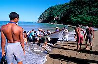 Venezuela - Etat de Sucre - Rio Caribe - retour de la pêche // Fisher - Rio Caribe - Sucre state - Venezuela