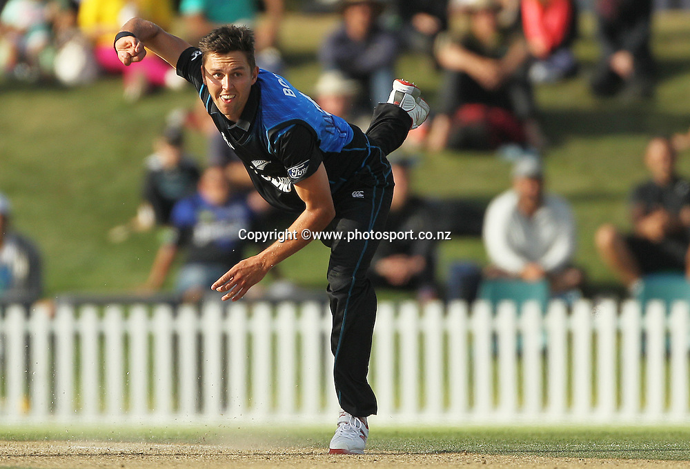 Trent Boult of New Zealand bowling during the ICC Cricket World Cup warm up game between New Zealand v South Africa at Hagley Oval, Christchurch. 11 February 2015 Photo: Joseph Johnson / www.photosport.co.nz