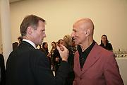 Nicholas Serota and Alex Katz, Alex Katz 'One Flight Up' at the new Timothy Taylor Gallery , 15 Carlos Place. London. 11 October 2007. -DO NOT ARCHIVE-© Copyright Photograph by Dafydd Jones. 248 Clapham Rd. London SW9 0PZ. Tel 0207 820 0771. www.dafjones.com.