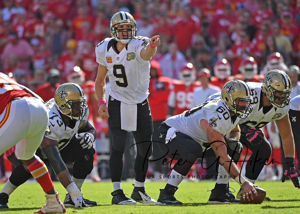 KANSAS CITY, MO - OCTOBER 23:  Quarterback Drew Brees #9 of the New Orleans Saints calls out instructions against the Kansas City Chiefs during the second half on October 23, 2016 at Arrowhead Stadium in Kansas City, Missouri.  (Photo by Peter G. Aiken/Getty Images) *** Local Caption *** Drew Brees