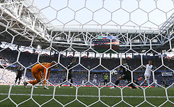 MOSCOW, June 16, 2018  Alfred Finnbogason (1st R) of Iceland shoots during a group D match between Argentina and Iceland at the 2018 FIFA World Cup in Moscow, Russia, June 16, 2018. (Credit Image: © Cao Can/Xinhua via ZUMA Wire)
