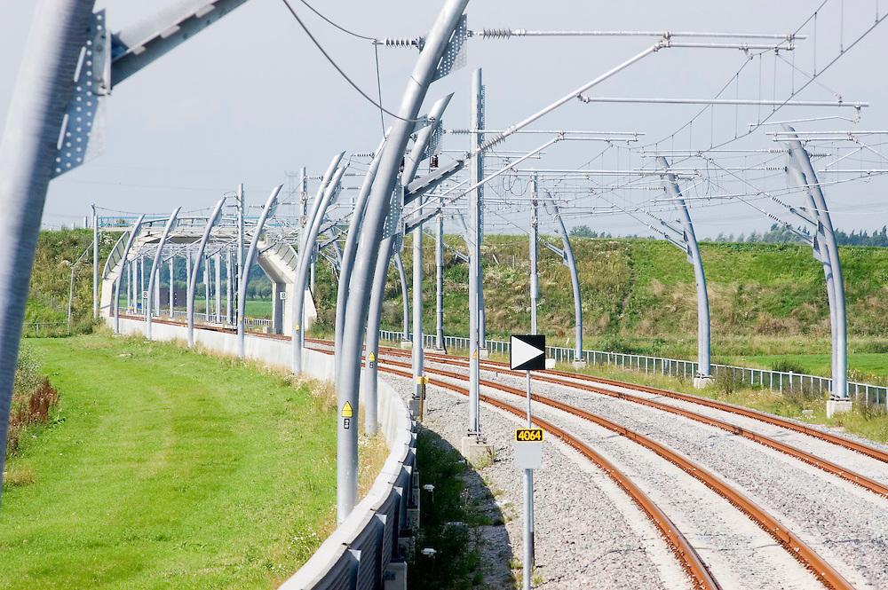 Nederland, Oud Alblas, 20050824..ERTMS-testtrein op de Betuweroute. .Goederentransport per spoor van de Rotterdamse havens tot in Duitsland.