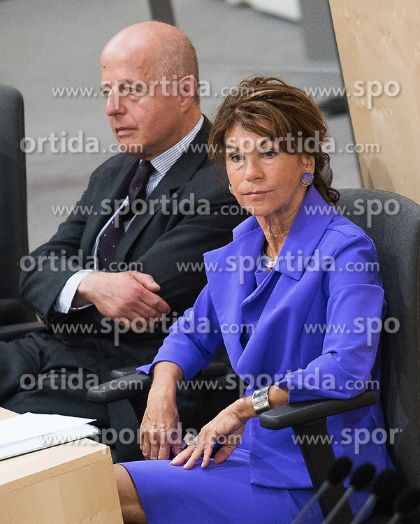 12.06.2019, Hofburg, Wien, AUT, Parlament, Nationalratssitzung, Sitzung des Nationalrates mit Vorstellung der Übergangsregierung, im Bild Vizekanzler und Justizminister Clemens Jabloner und Bundeskanzlerin Brigitte Bierlein // Austrian Vice Chancellor and Minister of Justice Clemens Jabloner and Austrian Chancellor Brigitte Bierlein during meeting of the National Council of austria at Hofburg palace in Vienna, Austria on 2019/06/12, EXPA Pictures © 2019, PhotoCredit: EXPA/ Michael Gruber