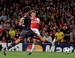 15.09.2010, Emirates Stadium, London, ENG, UEFA CL, Arsenal fc vs Sporting Braga, im Bild Arsenal's Andrei Arshavin makes 2-0   during Arsenal fc vs Sporting Braga for the UCL  Group  H at the Emirates Stadium in London. EXPA Pictures © 2010, PhotoCredit: EXPA/ IPS/ Marcello Pozzetti +++++ ATTENTION - OUT OF ENGLAND/UK +++++ / SPORTIDA PHOTO AGENCY