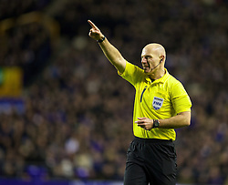 04.01.2014, Goodison Park, Liverpool, ENG, FA Cup, FC Everton vs Queens Park Rangers, 3. Runde, im Bild Referee Howard Webb // during the English FA Cup 3rd round match between Everton FC and Queens Park Rangers at the Goodison Park in Liverpool, Great Britain on 2014/01/04. EXPA Pictures © 2014, PhotoCredit: EXPA/ Propagandaphoto/ David Rawcliffe<br /> <br /> *****ATTENTION - OUT of ENG, GBR*****
