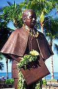Prince Kuhio statue, Waikiki, Oahu, Hawaii<br />