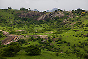 Santo Antonio do Jacinto_MG, Brasil...Paisagem com montanha em Santo Antonio do Jacinto...A landscape with mountain in Santo Antonio do Jacinto...Foto: LEO DRUMOND / NITRO.