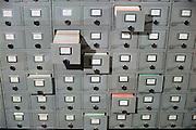 Nederland, Nijmegen, 15-5-1998Kaartenbakken in de universiteitsbibliotheek van de rad boud universiteit.Foto: Flip Franssen/Hollandse Hoogte