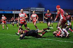 Saracens Full Back (#15) Alex Goode scores a try during the second half of the match - Photo mandatory by-line: Rogan Thomson/JMP - Tel: Mobile: 07966 386802 - 04/01/2014 - SPORT - RUGBY UNION - Kingsholm Stadium, Gloucester - Gloucester Rugby v Saracens - Aviva Premiership.