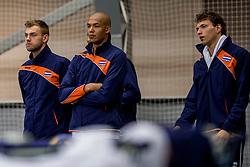 12-05-2017 NED: Nederland - Tsjechië, Amstelveen<br /> De Nederlandse volleybal mannen spelen hun eerste oefeninterland in de Emergohal in Amstelveen tegen Tsjechië. Deze wedstrijd staat in het teken van de verplaatsing van het Bankrasmomument. Nederland speelde daarom in speciale oude Nederlandse shirts uit 1992 / Gijs Jorna #7, Nimir Abdelaziz #14