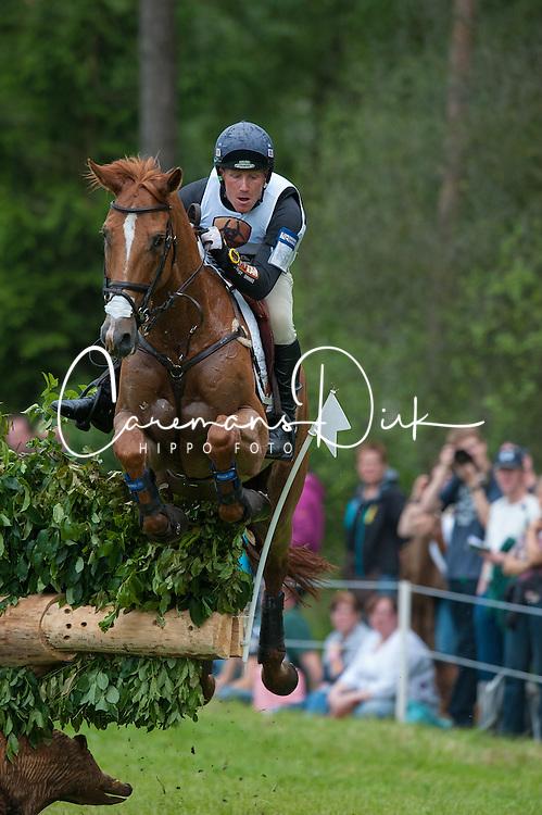 Oliver Townend (GBR) - Armada<br /> Cross Country - CCI4* Luhm&uuml;hlen 2012<br /> &copy; Hippo Foto - Jon Stroud