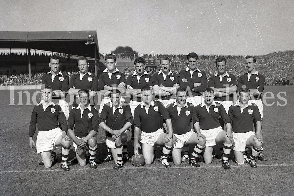 1957 Cork team from all ireland football final.    <br /> (Part of Independent Newspapers Ireland/NLI Collection)