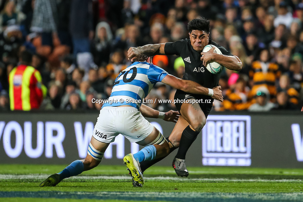 All Blacks centre Malakai Fekitoa looks to break the tackle of Pumas replacement Leonardo Senatore during Round 3 of the Rugby Championship - New Zealand All Blacks v Argentina Pumas.  FMG Stadium Waikato, Hamilton, New Zealand. Saturday 10 September 2016. © Copyright Photo: Bruce Lim / www.Photosport.nz