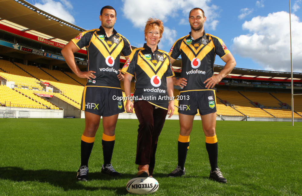 Celia Wade-Brown Mayor of Wellington, Simon Mannering and Ben Matulino pose for a photo. Vodafone Warriors in Wellington - Vodafone Warriors hold a press conference in Wellington ahead of their clash with the Bulldogs on Saturday 11 May 2013. Westpac Stadium, Wellington, New Zealand on 20 March 2013. Photo: Justin Arthur / photosport.co.nz
